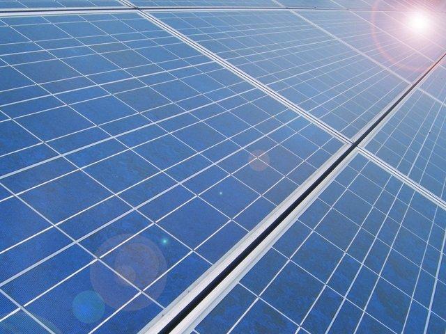 dej_solar_panels_810-cp4n.jpg